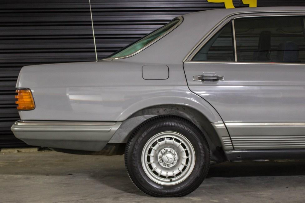 1985-mercedes-benz-280s-carro-antigo-the-garage-loja-de-carros-antigos