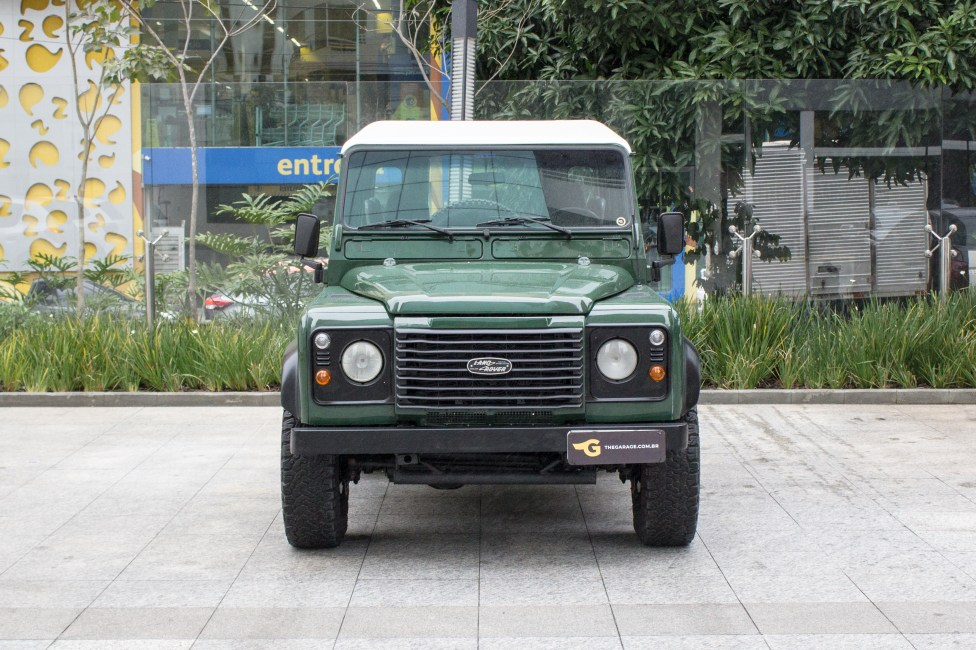 2002-land-rover-defender-the-garage-compro-venda