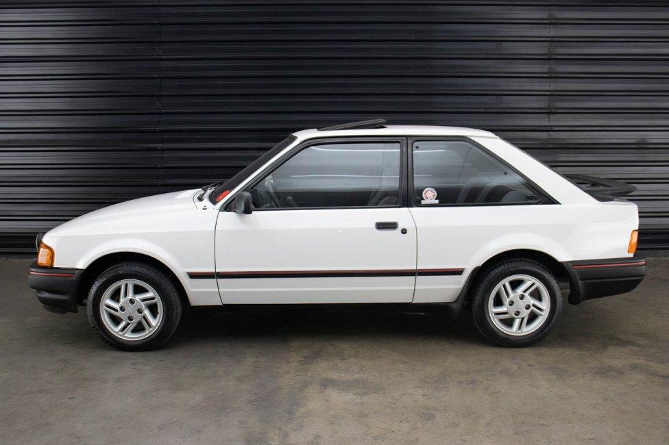 1989-ford-escort-xr3-the-garage