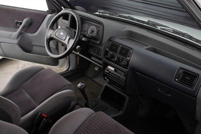 ford-escort-xr3-the-garage-for-sale-em-sp