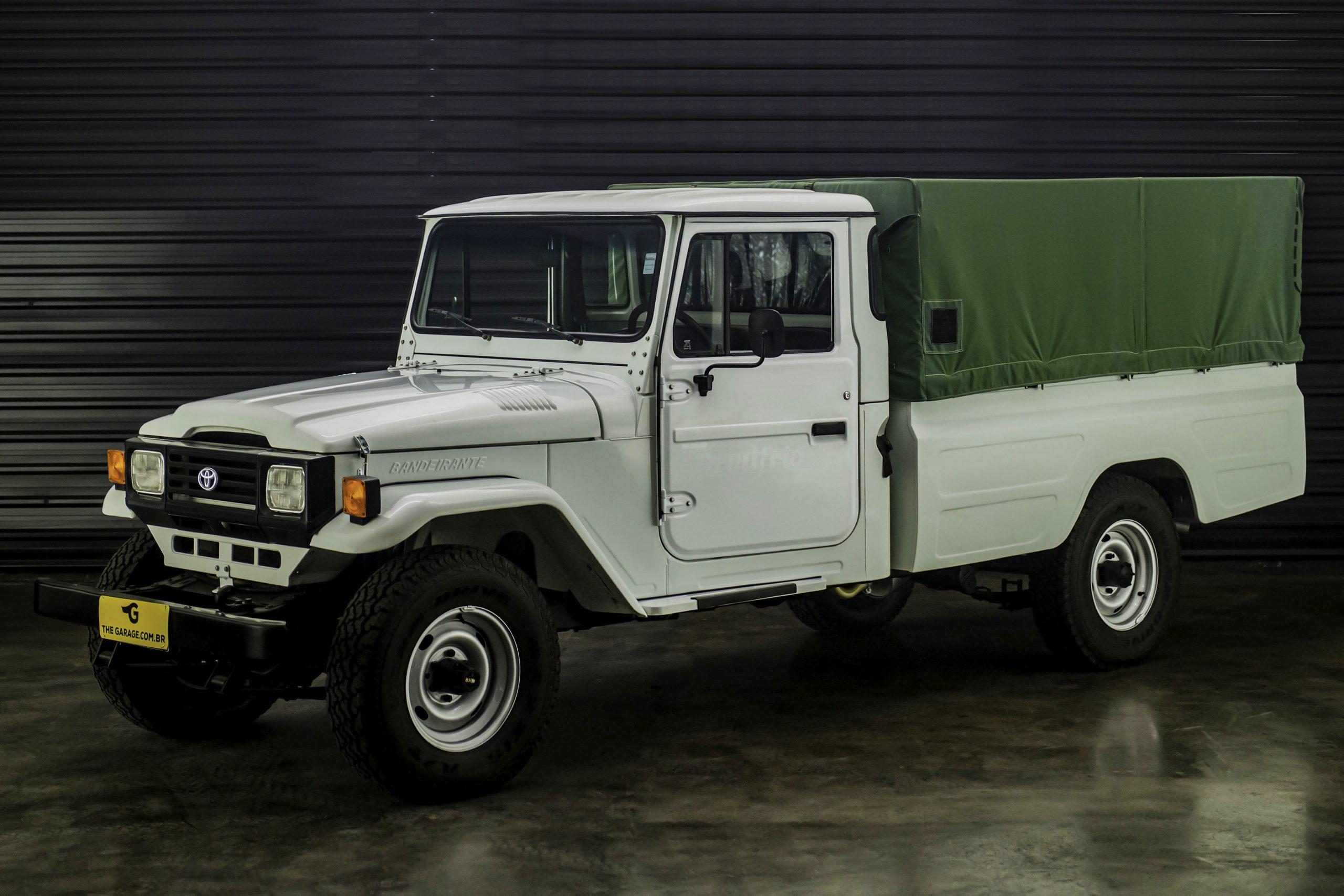 1999-Toyota-bandeirante-a-venda-sao-paulo-sp-for-sale-the-garage-classicos-a-venda-loja-de-carros-antigos--9.jpg