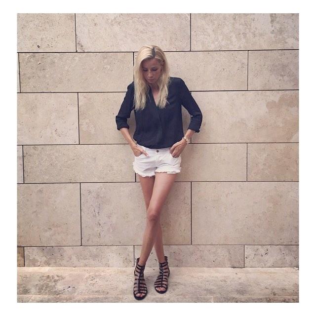 The_Garage_Starlets_Katia_Peneva_Popov_Alina_Popov_Instagram_05