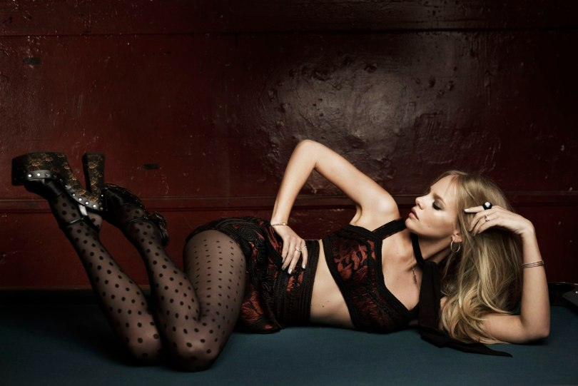 The_Garage_Starlets_Marloes_Horst_Jan_Welters_Vogue_Netherlands_June_2015_09