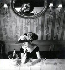 Christian Dior hat from the Raout silhouette, spring−summer 1956 haute couture collection, Fleche line © Henry Clarke, Musée Galliera. ADAGP, Paris. Licensed by Viscopy, Sydney