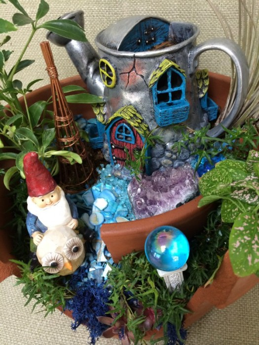 Gnome home, go to https://thegardendiaries.blog/2014/03/20/happy-gnoming-home-for-a-gnome/