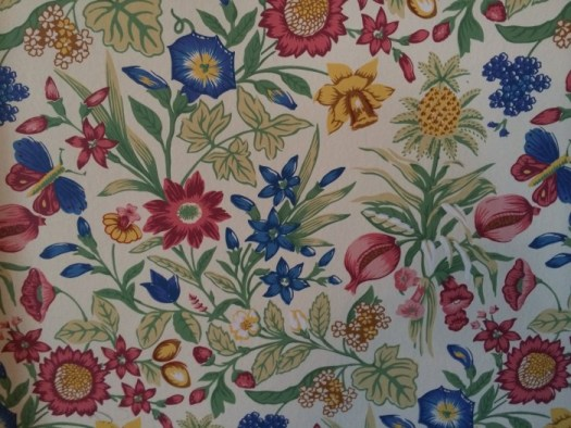 Drawing room wall paper