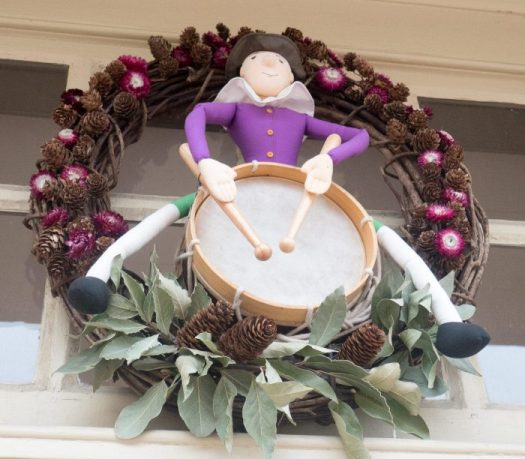 Wreath with drummer boy was made for the William Pitt shop which sells a lot of toys