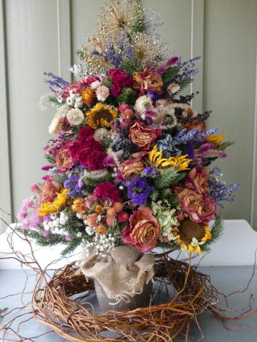 Miniature dried flower tree