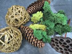 Moss, glitter balls, pods, cones