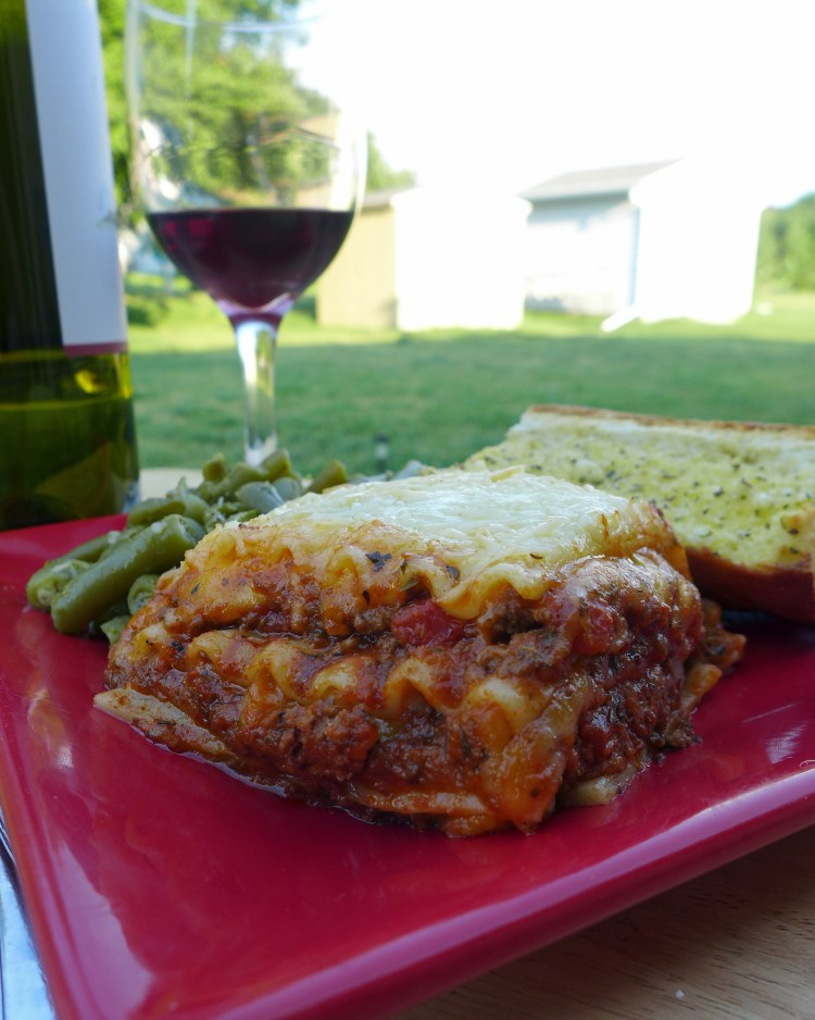 Bismarck ND Lasagna with green beans and garlic bread 01