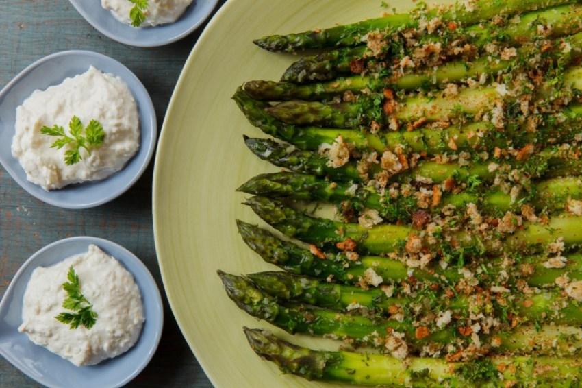 Asparagus with Horseradish Cream-1869-2