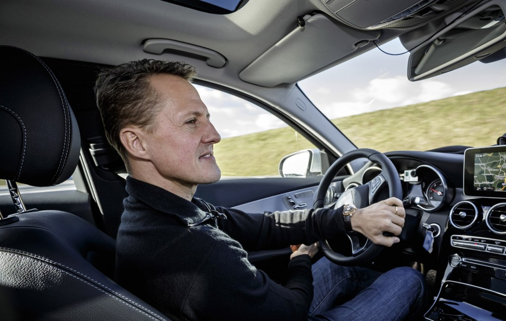 michael-schumacher-tests-new-assistance-systems-on-the-2015-mercedes-benz-c-class_100449226_l