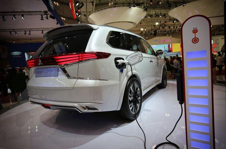 Mobil-Listrik-GIIAS-2015