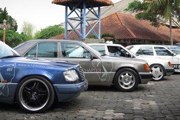 Mercedes-Benz-W124-MBCI