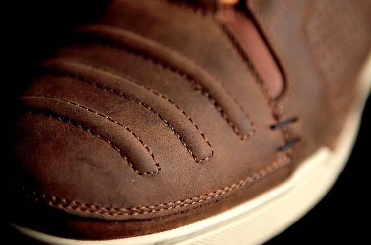 Sepatu-Riding