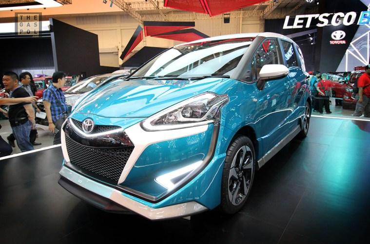 Mobil Spesial GIIAS 2017 - Toyota Sienta Ezzy