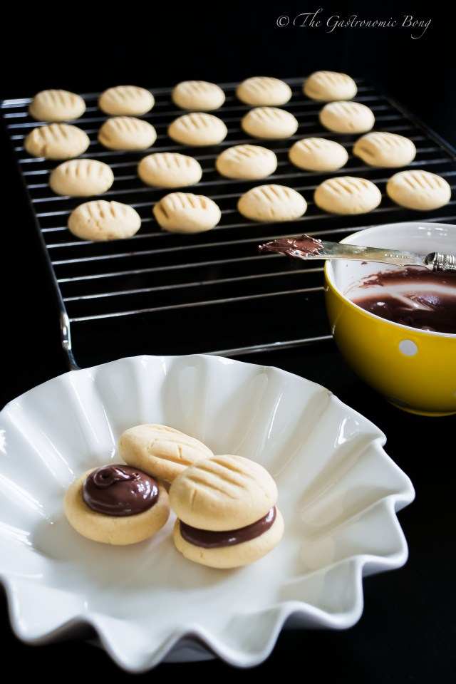 peanut-butter-and nutella-melting-moments4
