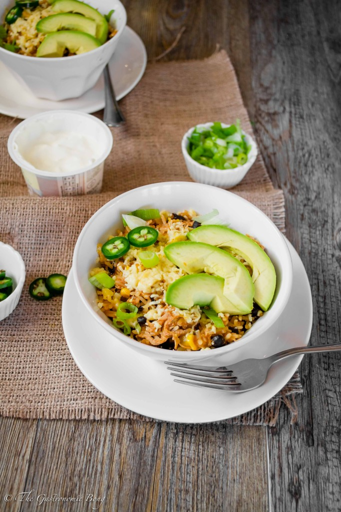 Slow Cooker Chipotle Chicken and Black Beans Burrito Bowls