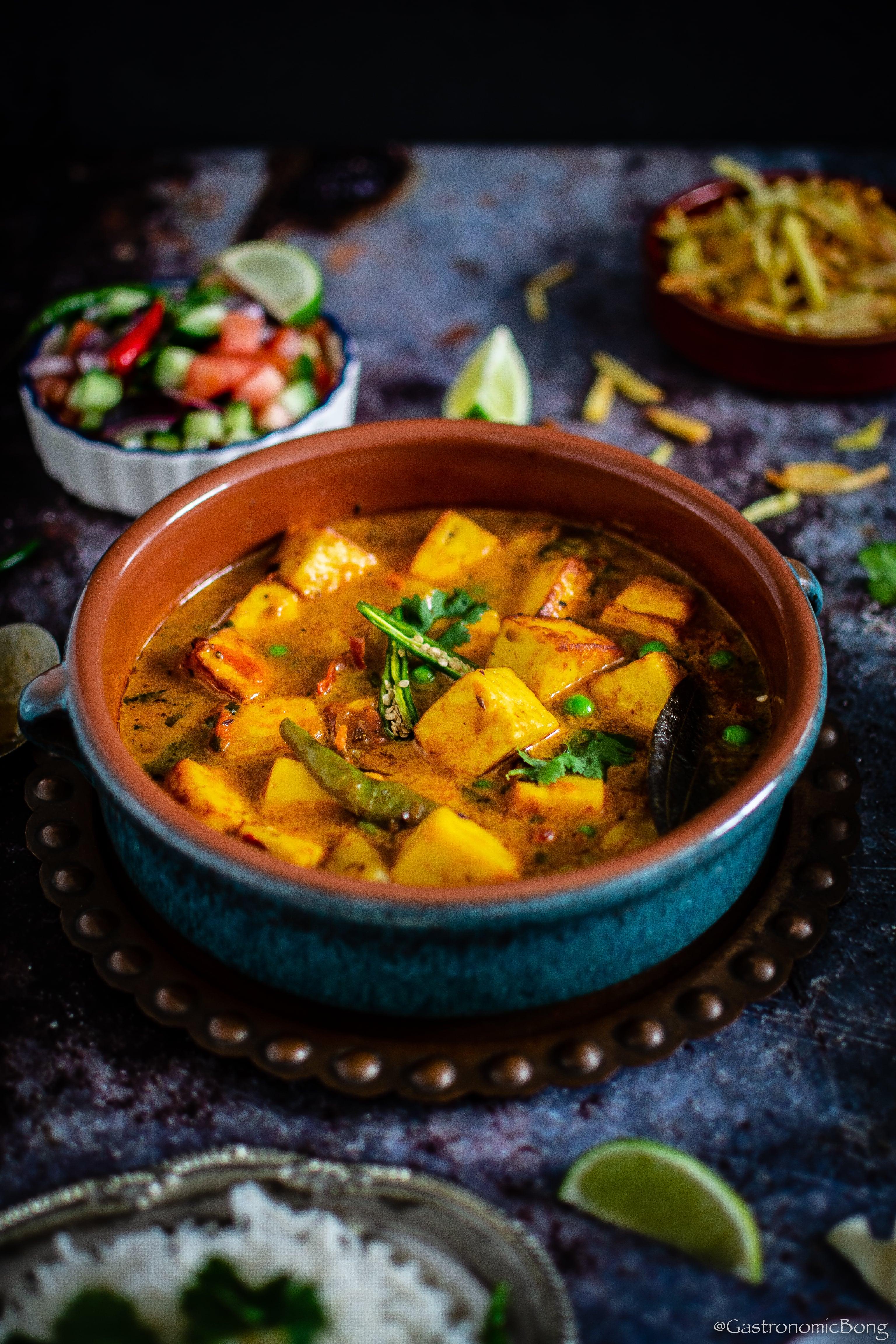 Chanar Dalna | Niramish Chanar Dalna | Bengali style Paneer Curry