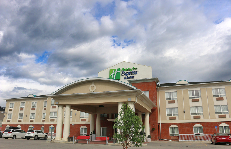 Review Holiday Inn Express Suites Hinton The Gatethe Gate