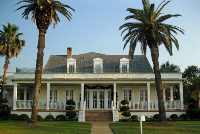 Blue Rose Mansion owners looking to sell