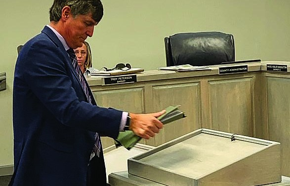 County Planning Commission Issues Dominate Supervisors Meetings