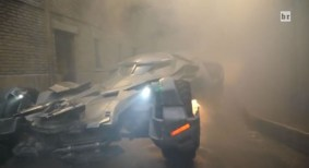 batman-v-superman-batmobile-1-600x328