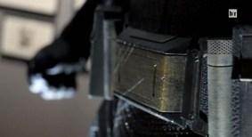 batman-v-superman-costume-belt-600x328