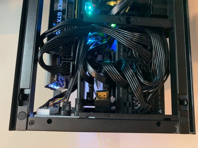 """NZXT H1 PSU cable arrangement for 5"""" LCD Display"""