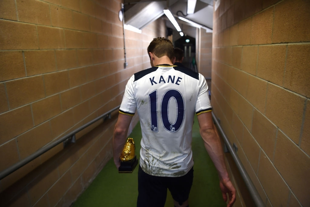 Harry Kane con il Golden Foot