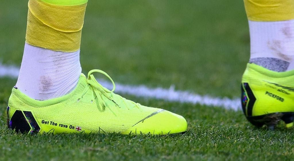 Jordan Pickford's shoes