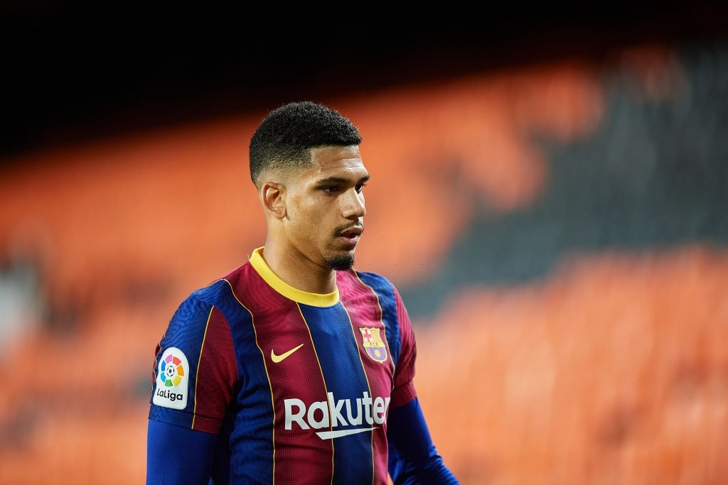 Ronald Araujo contro il Valencia