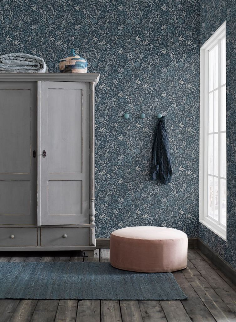 decorating with wallpaper borastpaper sense of silence