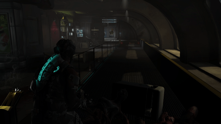 Dead Space 2 screenshot with oft-repeated hallway containing moving walkway - Visceral Games, comparison, review, analysis