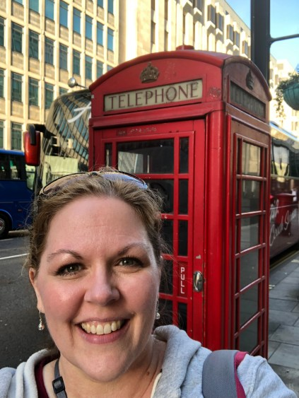 Can you walk around London without an obligatory red phone booth photo? I guess I can't!