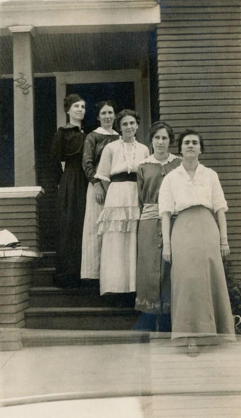 BEA 1, img 16, Bevans girls, May 1914