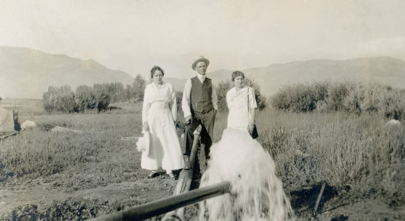 BEA1, img 19, Claude, Blanche, Hazel, Ogden Canyon, 24 July 1915