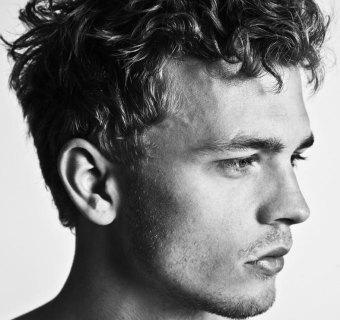 Taglio capelli ricci uomo 2020: come farli
