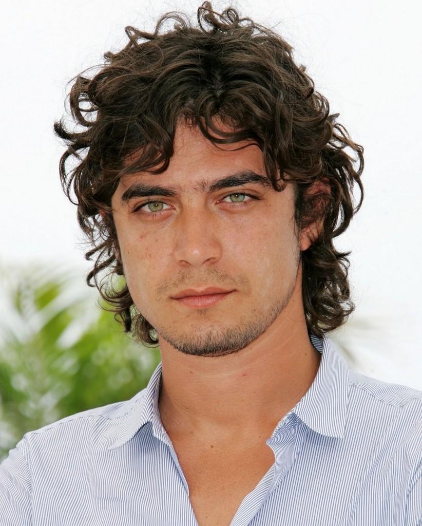 Riccardo Scamarcio - capelli ricci