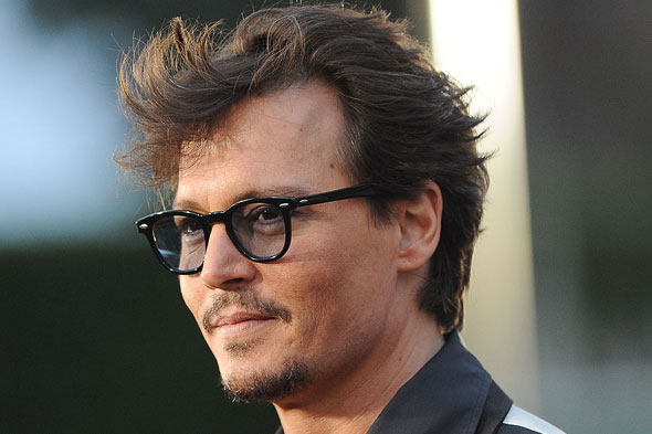 johnny-depp-haircut-hairstyle-capelli-stempiatura