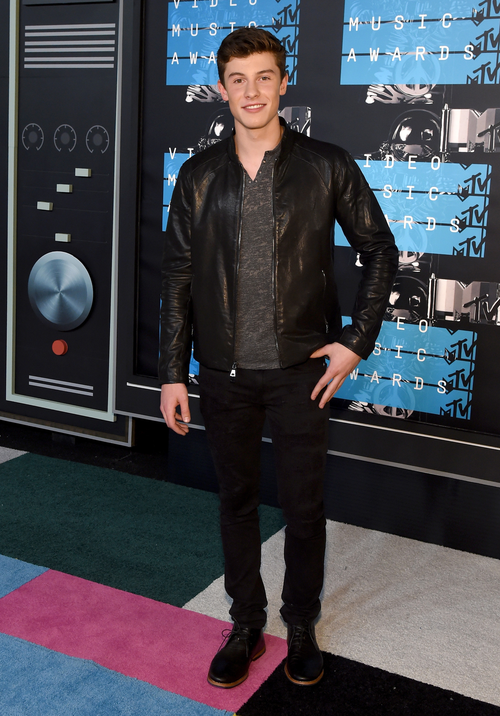 2015 MTV Video Music Awards  The Gentlemens Style Academy