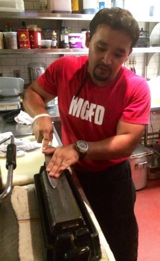 Food Runner Serik, sharpening knives