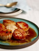 272_Cider-Glazed Seared Scallops with Cauliflower Puree