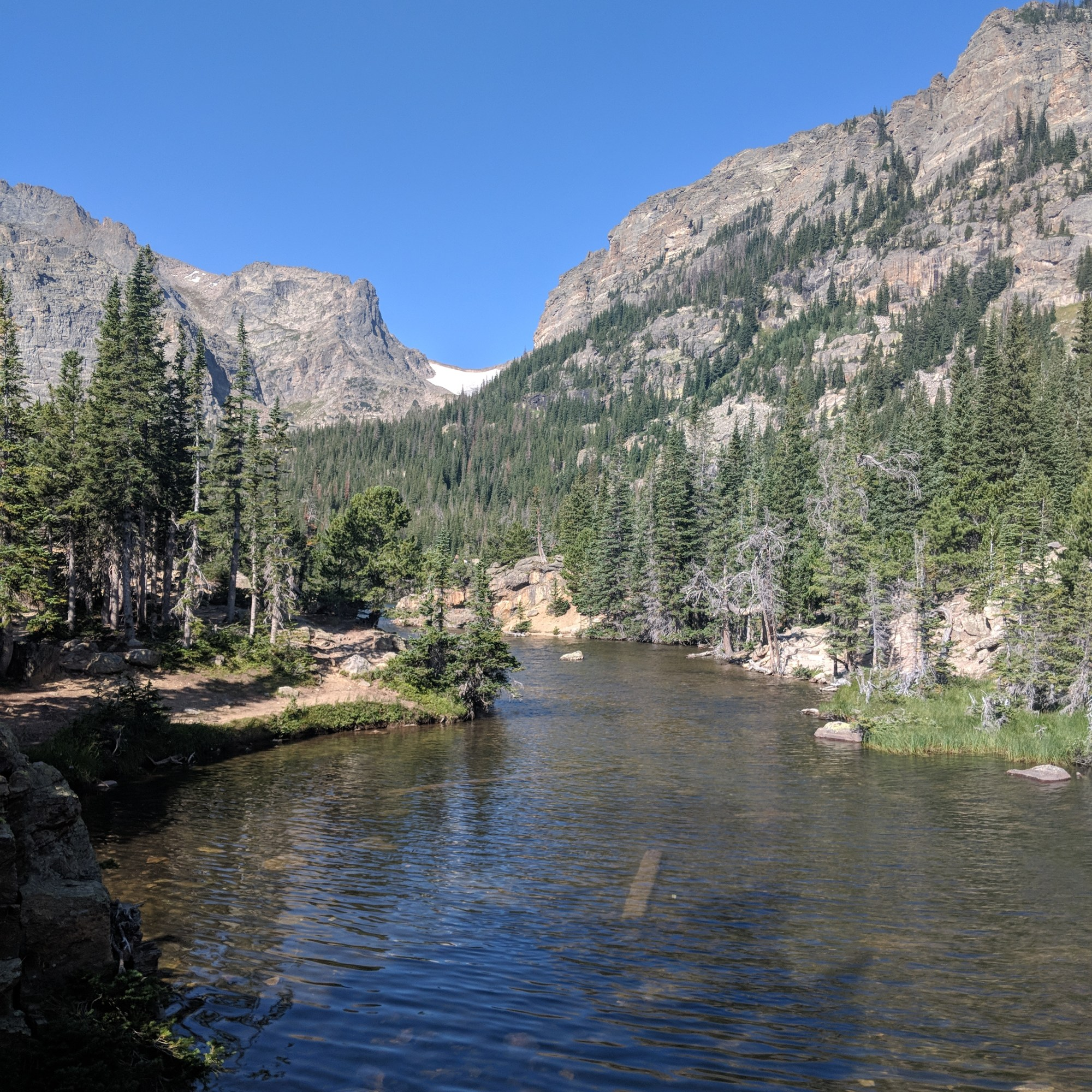 Mountain lake at Rocky MountainNational Park
