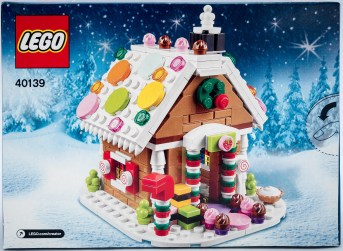 Lego-Gingerbread-House-40139