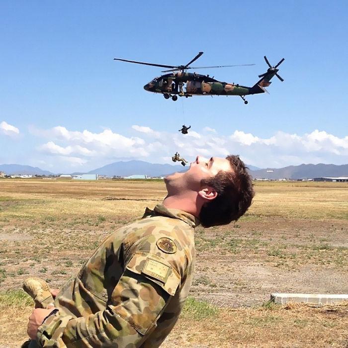 komik asker fotoğrafları