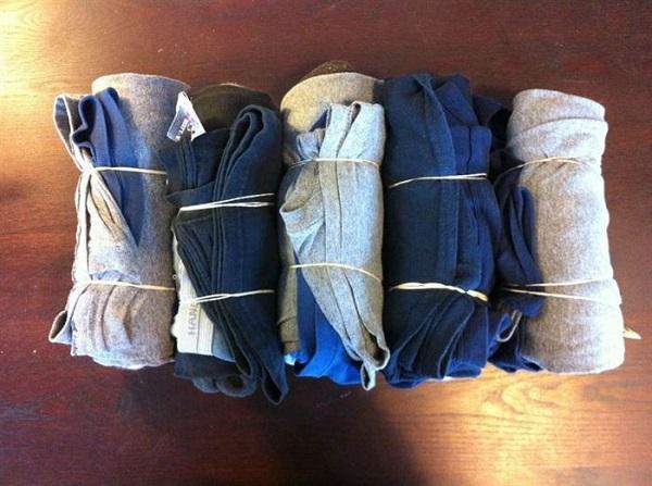 çorapları ve çamaşırları paketleme