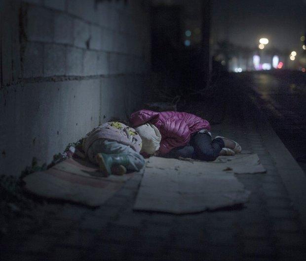 Suriyeli göçmen çocukların yattığı yerler magnus wennman 5