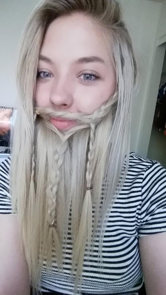 saçlarını sakal yapan sakallı kadınlar 5
