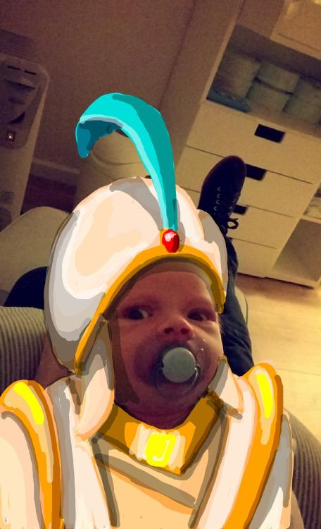 Oğlunu Snapchat'te favori karakterlerine dönüştüren baba 3